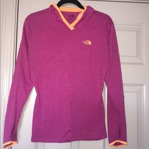 North face hooded long sleeve shirt size M